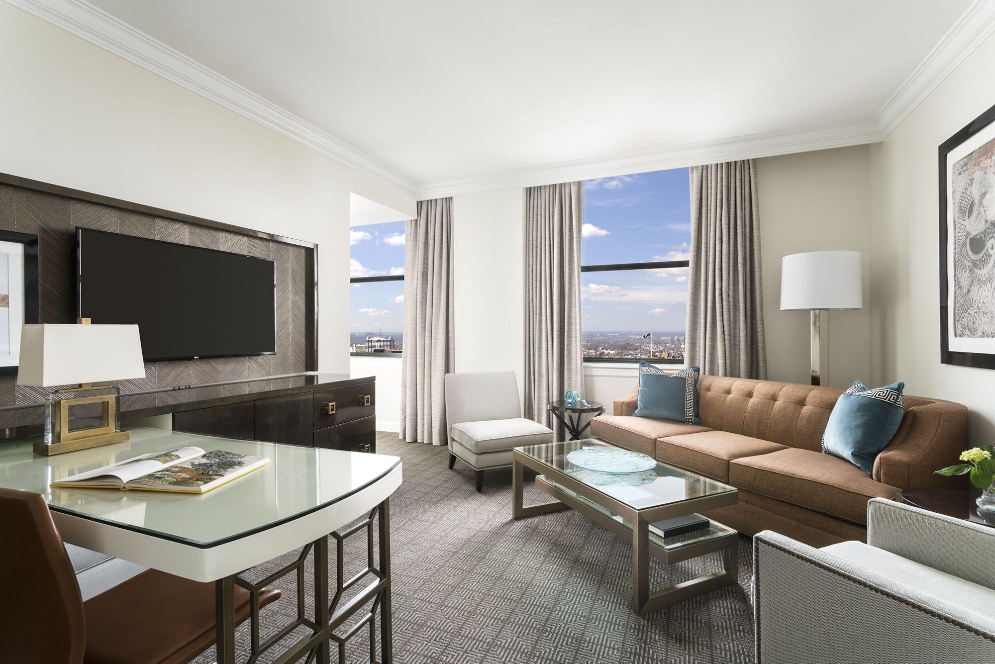 Enjoyable One Bedroom Suite The Ritz Carlton Philadelphia Unemploymentrelief Wooden Chair Designs For Living Room Unemploymentrelieforg