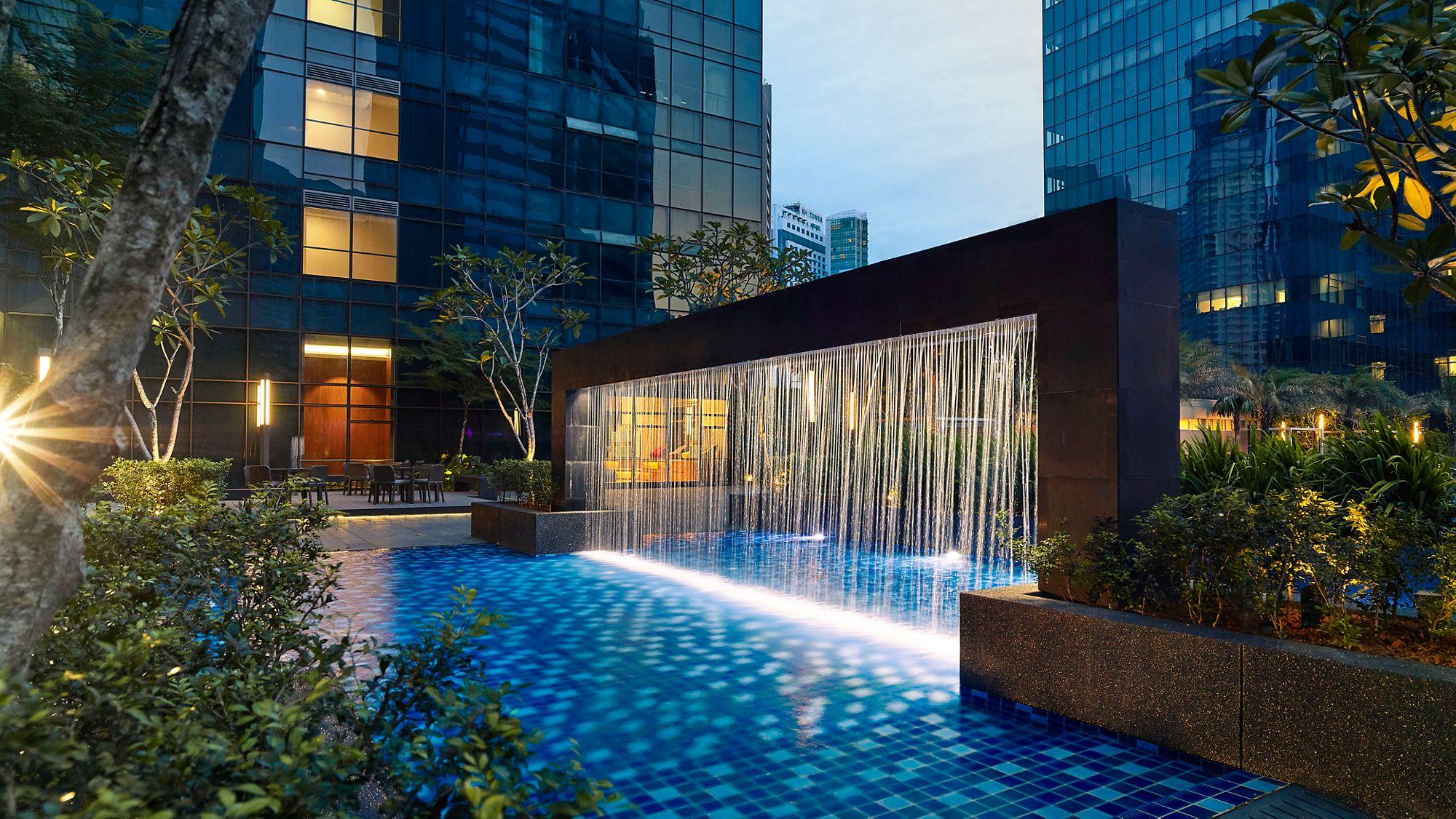 The Ritz-Carlton Residences, Kuala Lumpur, Jalan Sultan Ismail
