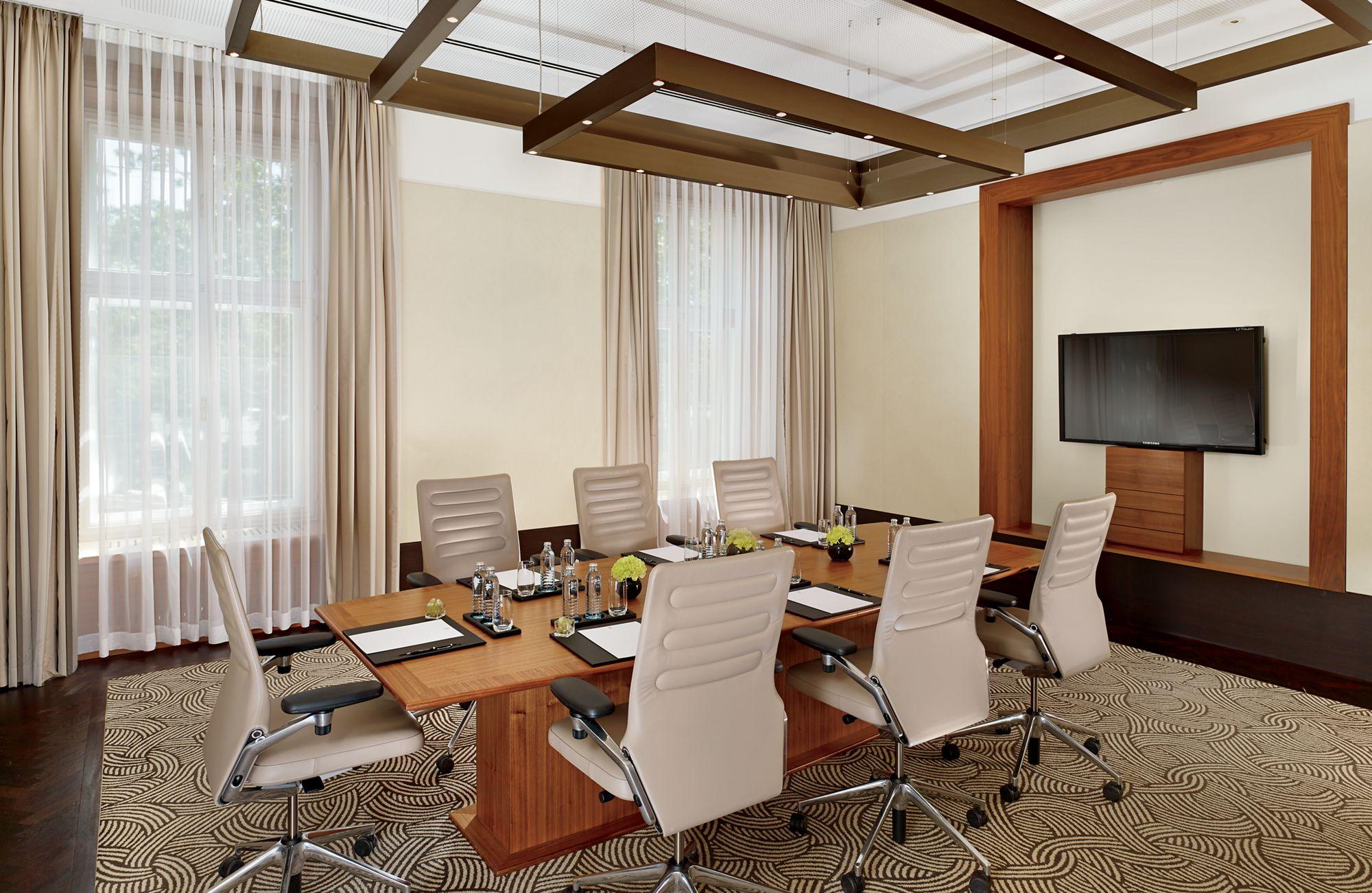 Room Seven Servies.Meeting Services Vienna Vienna Meeting Facilities The