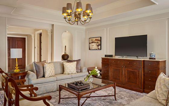 Carlton Suite - Living Room