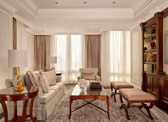 Executive Club Suite - Living Room
