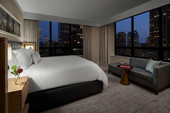 Magnificent Mile Suite - Bedroom