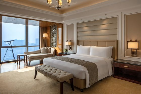 Club Ritz-Carlton Suite