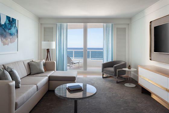 Oceanfront Suite - Living Room