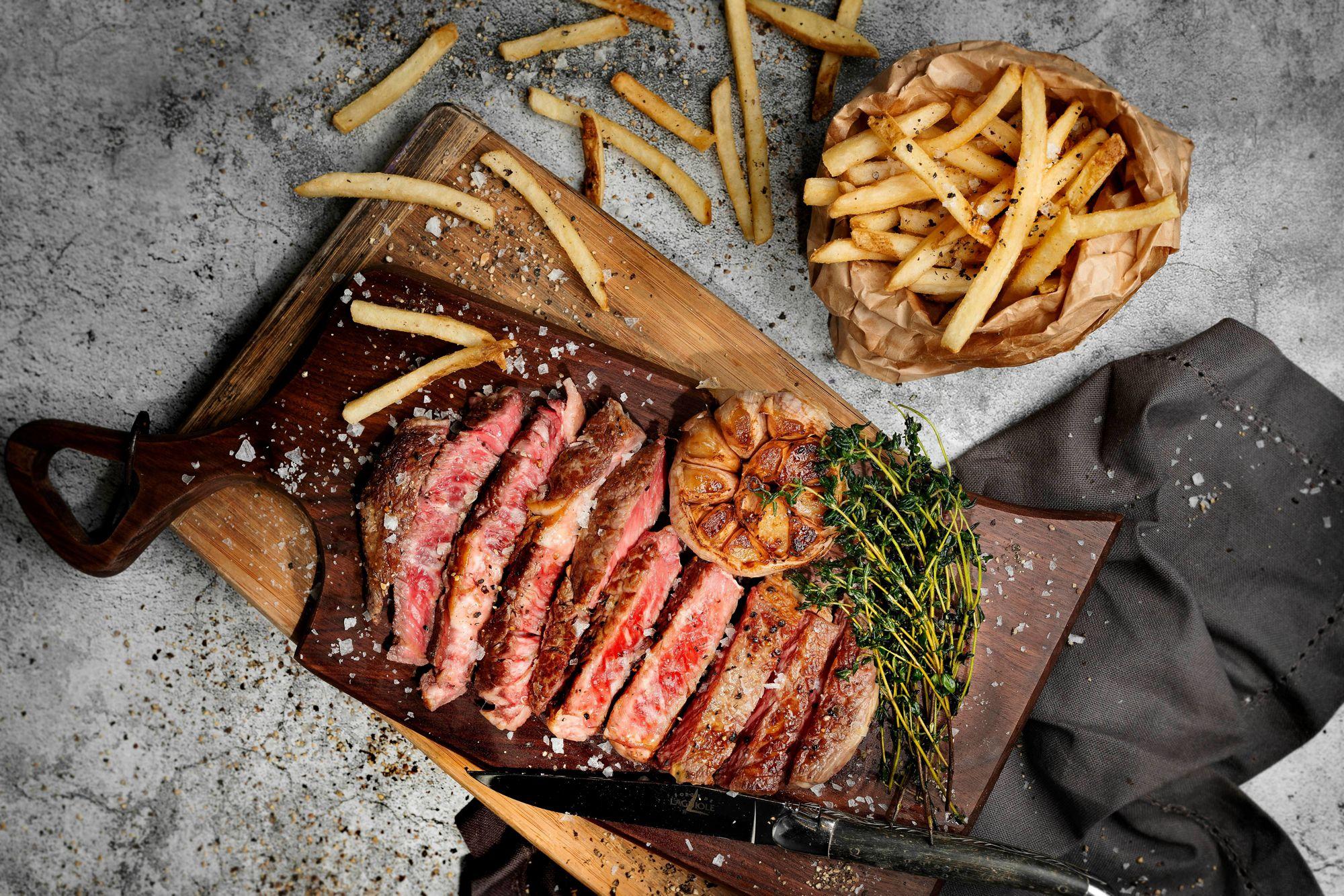 Steak Fritz dinner at The Lounge & Bar