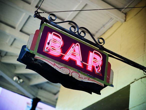 Illuminated bar sign