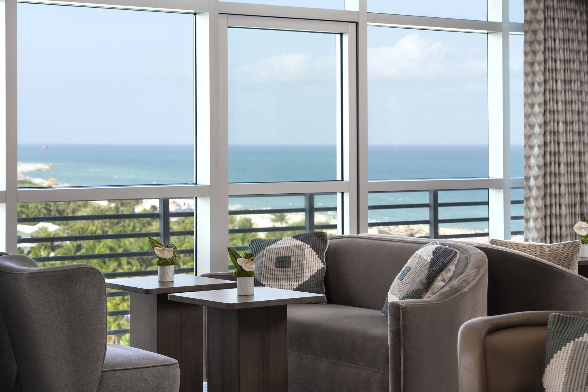 Club Lounge - View