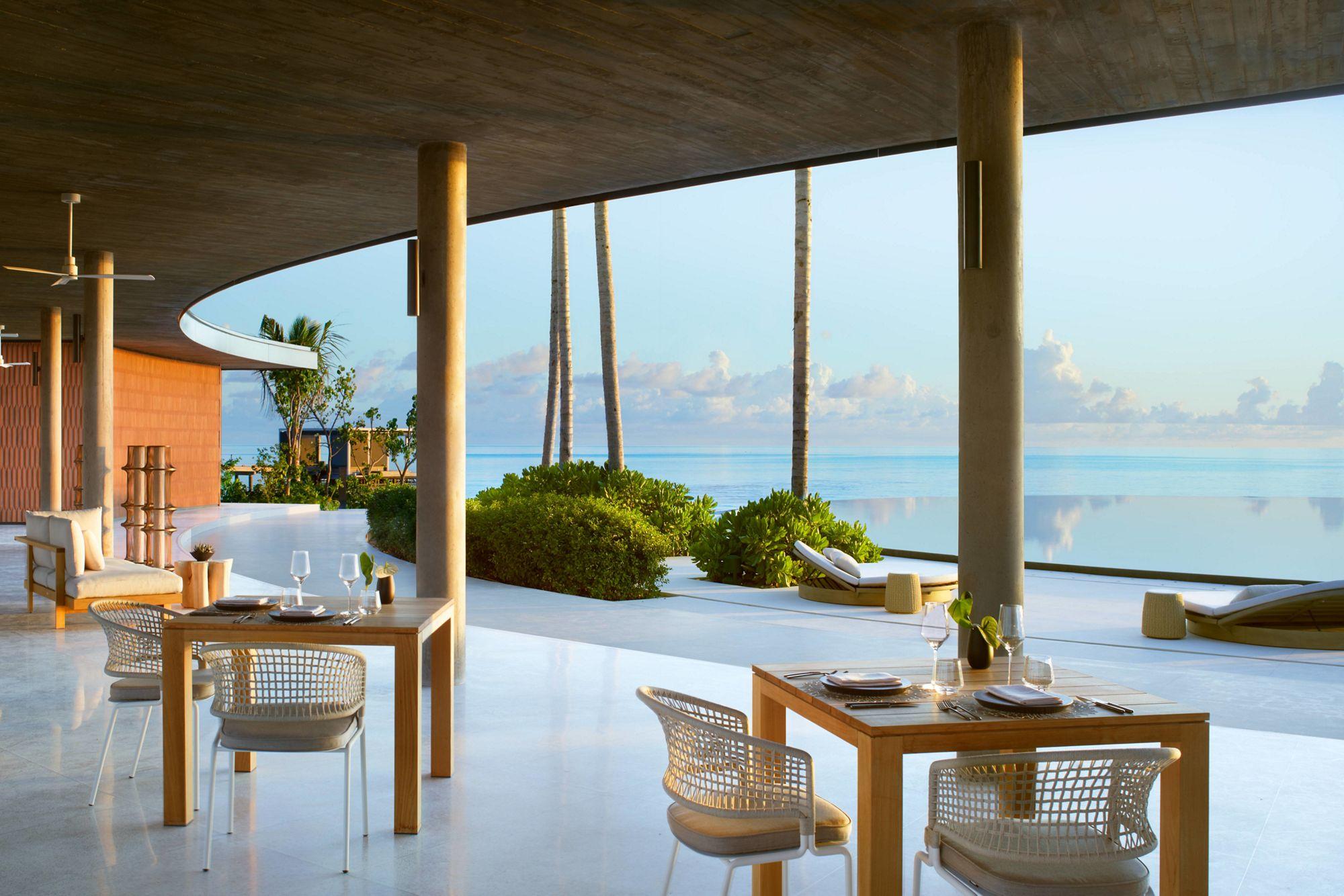 The Ritz-Carlton Maldives, Eau Bar