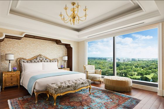 The Ritz-Carlton Suite - Master Bedroom