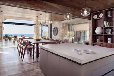 Grand Reserve Beachfront - Dining Room & Kitchen