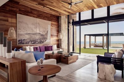 Grand Reserve Beachfront - Living Room