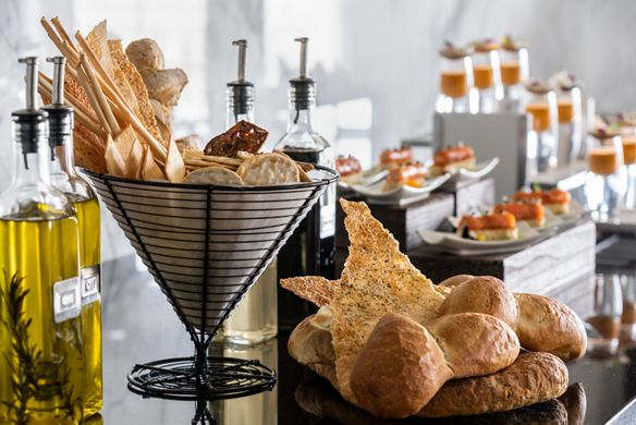 Club Lounge - Bread Table