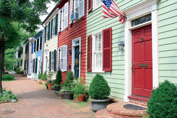 A street lined with townhomes in Old Town Alexandria, Virginia