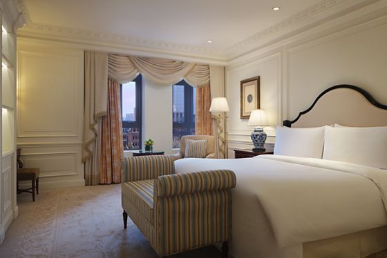 Executive Suite - King Bedroom