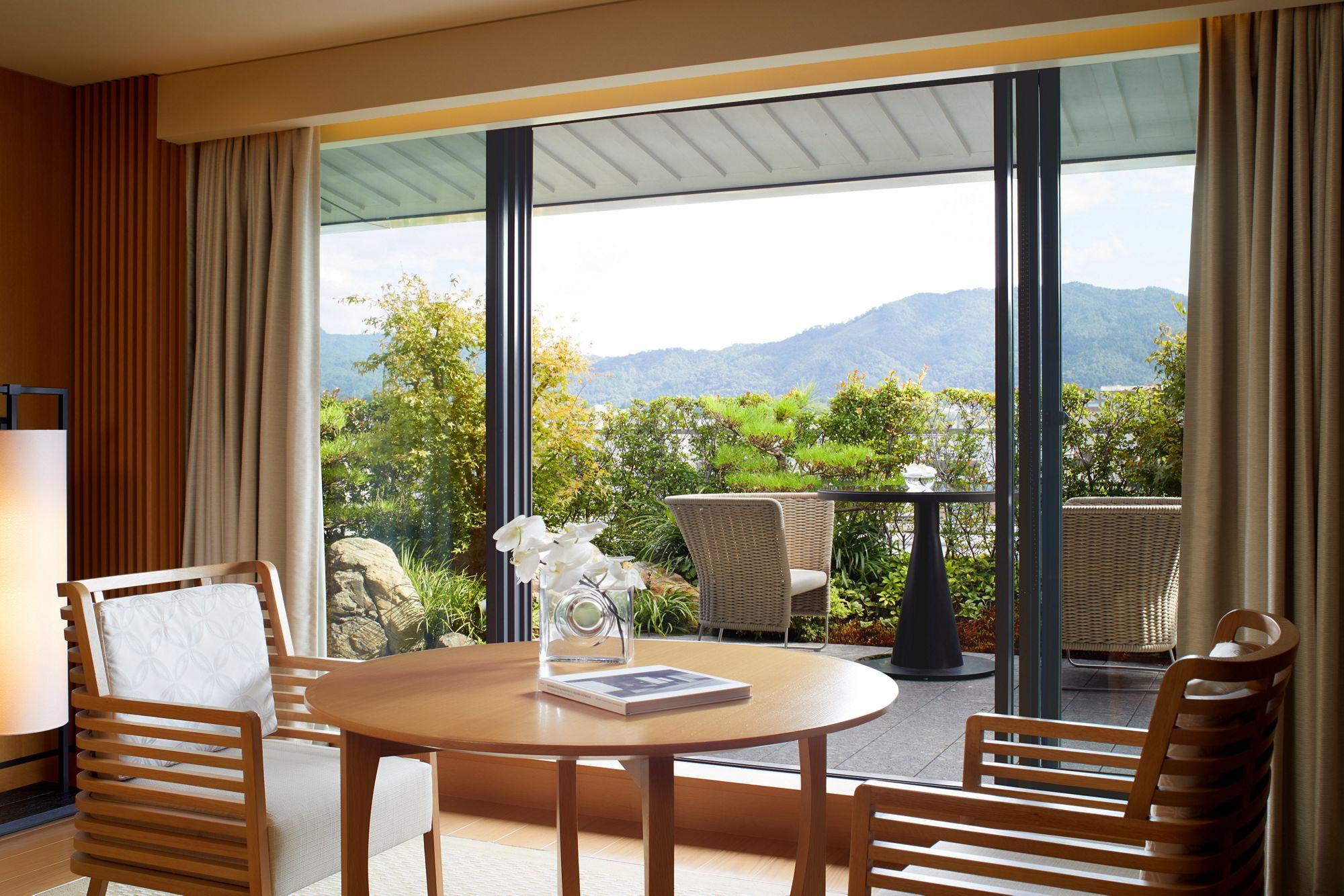 Garden Terrace Suite Tatami Living Room
