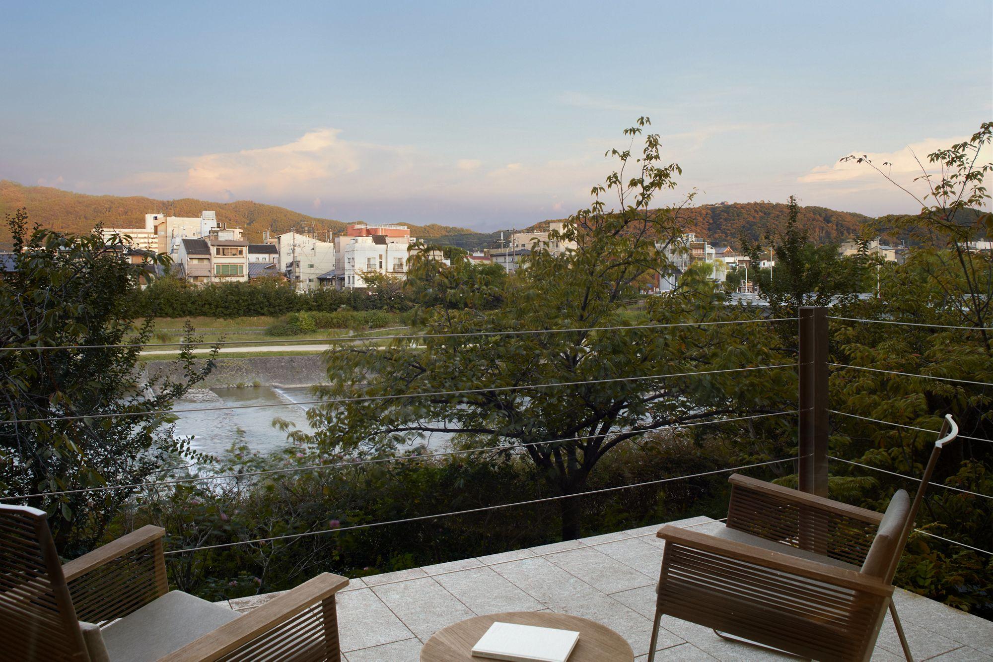 Suite Kamogawa Terrace