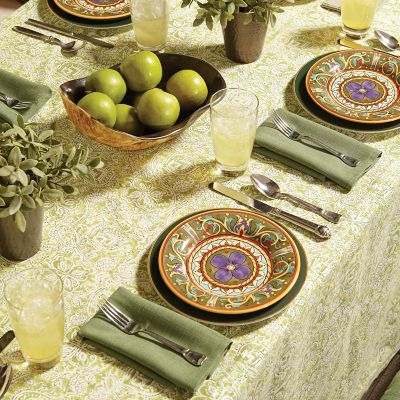 Floor Length Tablecloth & Napkins with Mitered Corners