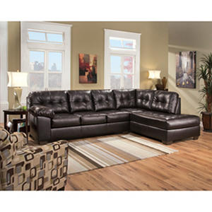 Berkline waldrop two piece sectional auctions for Berkline callisburgh sofa chaise