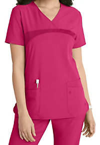 Urbane Performance Media Collection Renew 4-pocket scrub top.