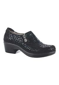 naturalizer florence leather slip resistant nursing shoes