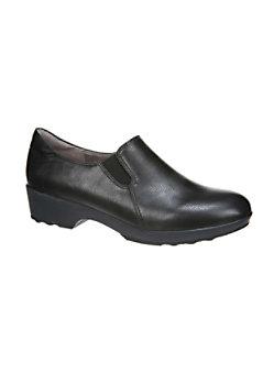 Lifestride Buzz Slip Resistant Nursing Shoes
