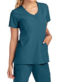 Reliance 3 Pocket Mock Wrap Top