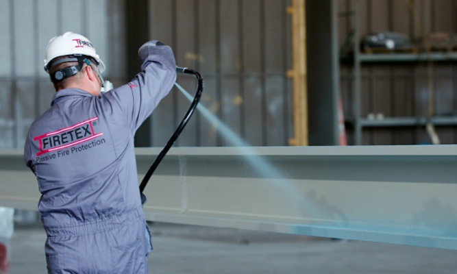 Applicator spraying FIRETEX FX9502