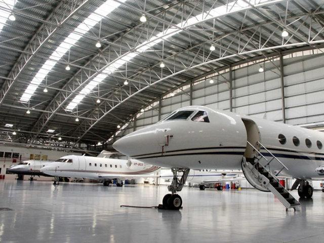 Resin llooring aeroplane hangars