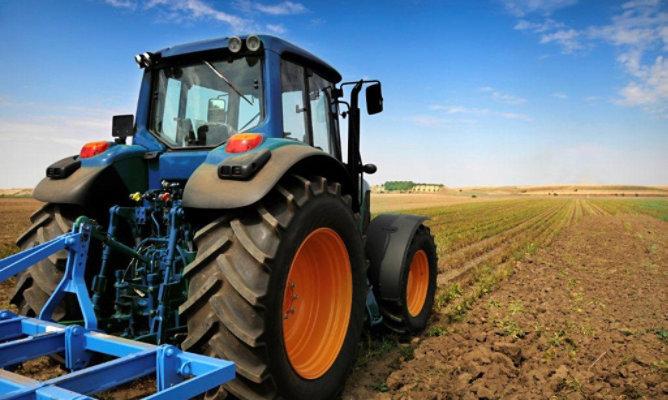 Tractor e implemento