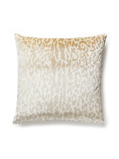 SNOW LEOPARD PILLOW WINTER WHITE